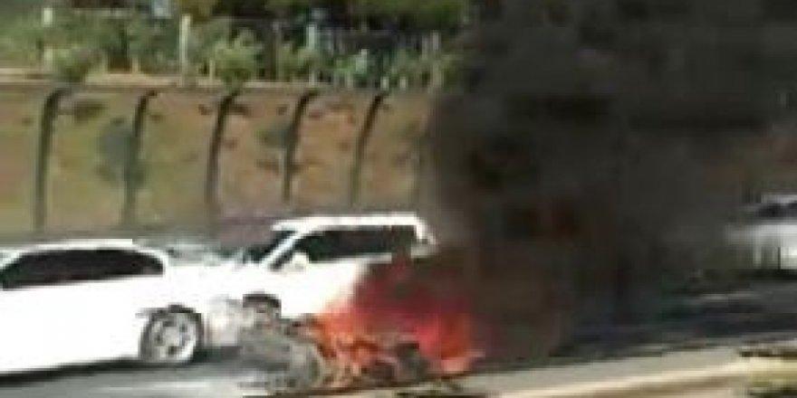 TEM'de seyir halindeki motosiklet alev topuna döndü