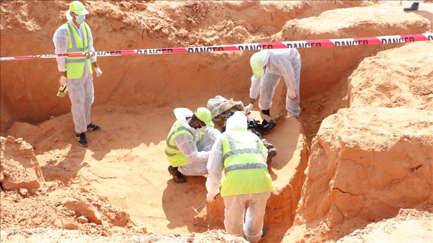 Libya'nın Terhune kentinde iki toplu mezar daha bulundu
