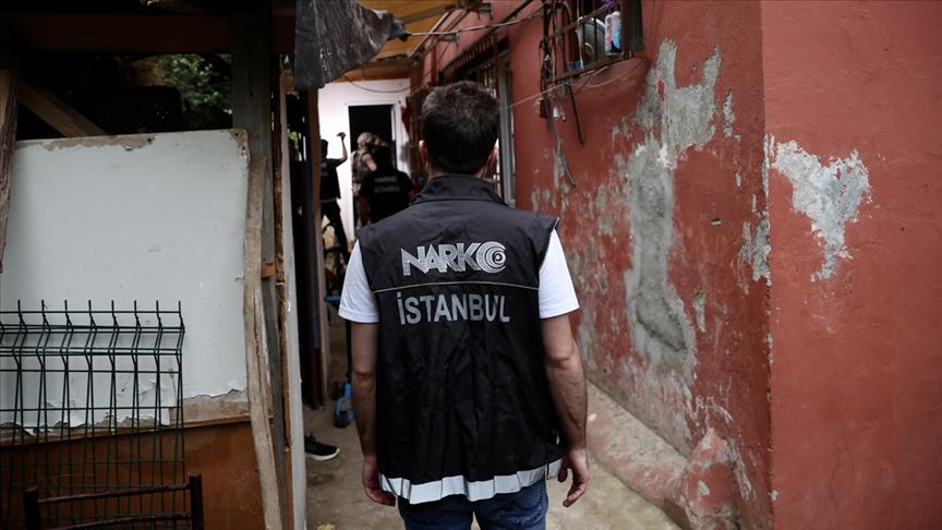 İstanbul merkezli uyuşturucu operasyonunda 32 şüpheli gözaltına alındı