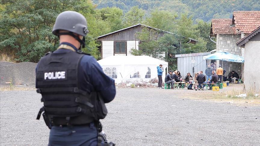 Sırbistan, Kosova ile sınır gerginliği konusunda NATO'nun tepkisini bekliyor