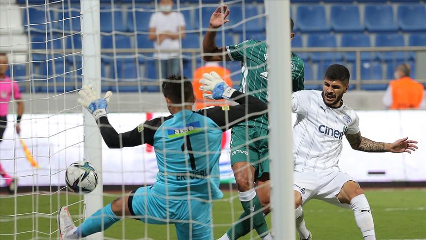 Kasımpaşa ile İttifak Holding Konyaspor 2-2 berabere kaldı