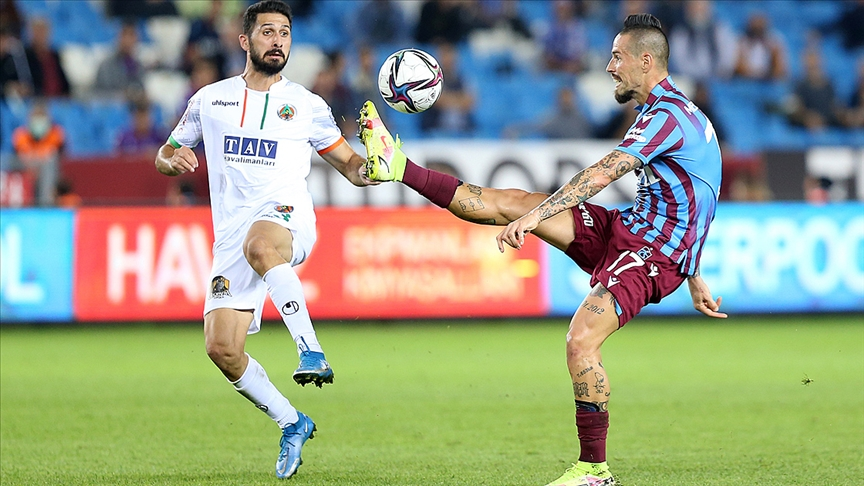 Trabzonspor evinde Alanyaspor ile 1-1 berabere kaldı