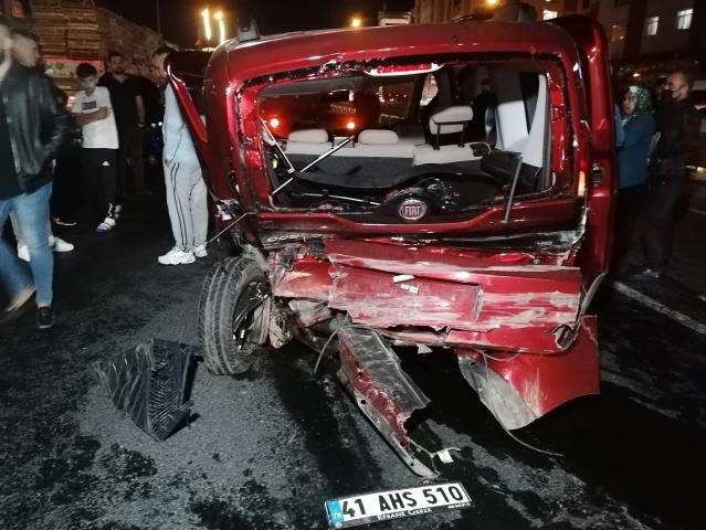 Gebze'de trafik kazası 7 yaralı