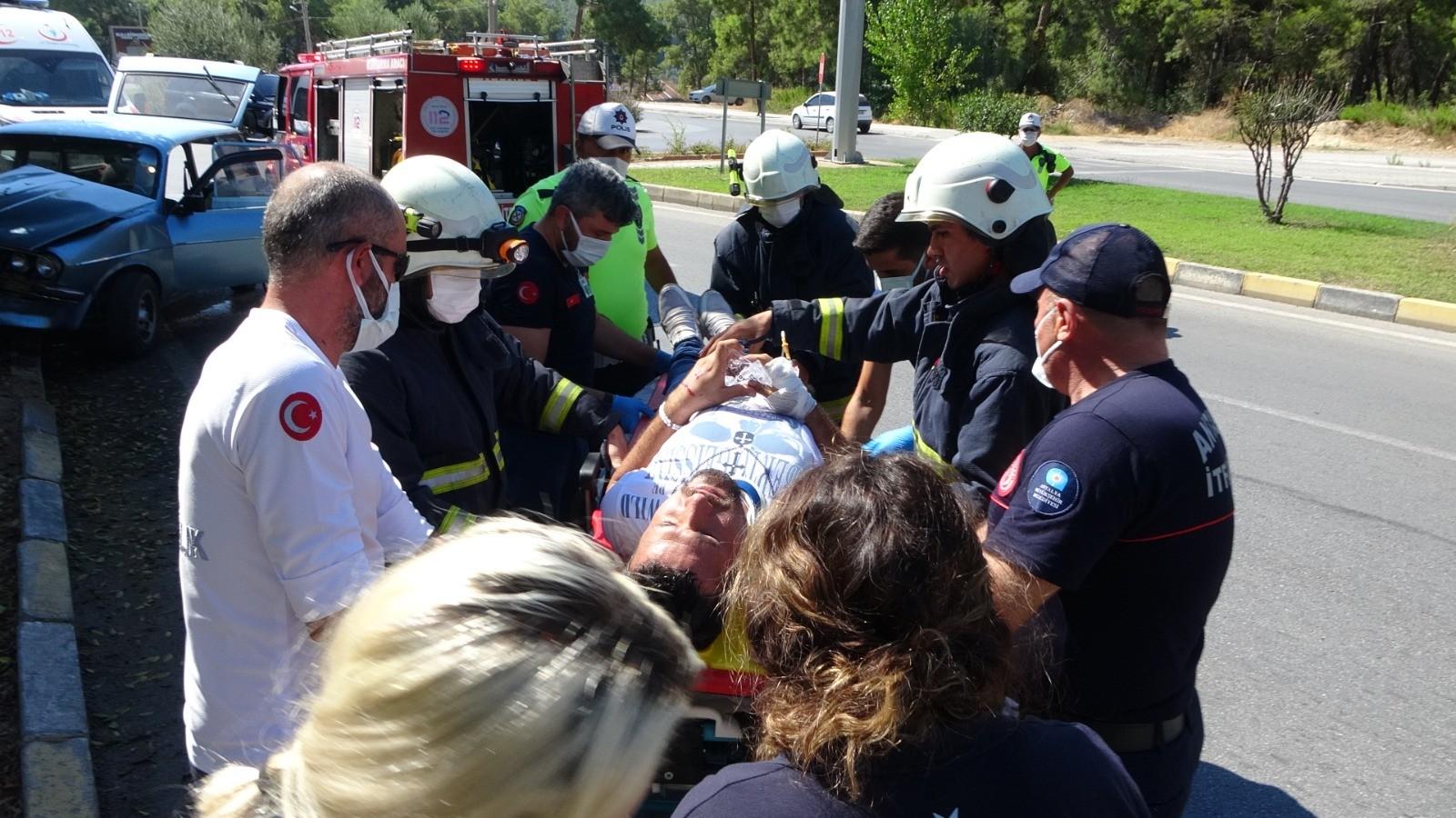 Seyir halindeyken sara krizi geçirdi, ağaca çarpıp yaralandı