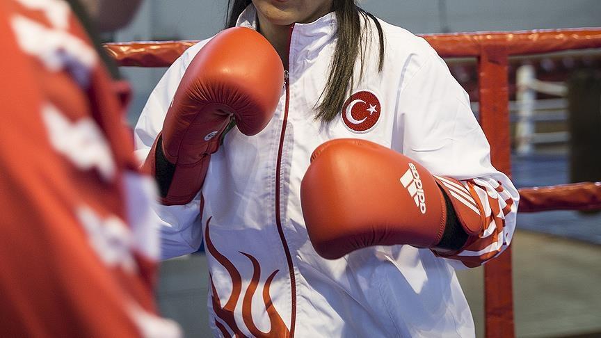 Kadınlar Dünya Boks Şampiyonası'nın İstanbul'da olması için görüşmeler başladı