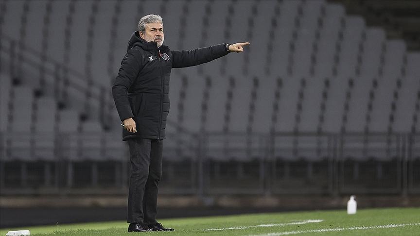 Medipol Başakşehir Teknik Direktörü Aykut Kocaman, istifa kararı aldı