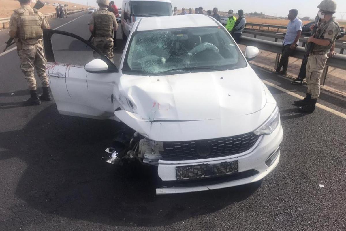 Otomobile silahlı saldırı: Baba öldü, oğlu ağır yaralandı
