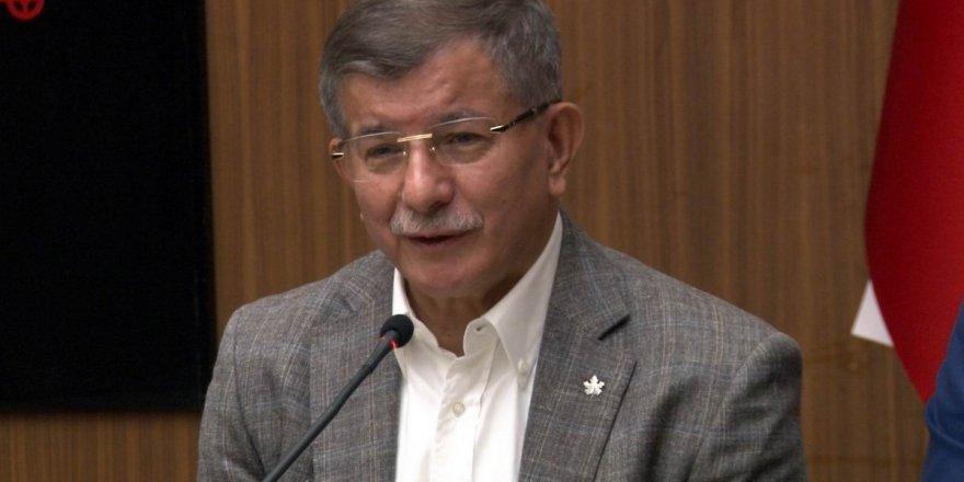 Ahmet Davutoğlu: 'Şu anda hiçbir ittifakın parçası değiliz'