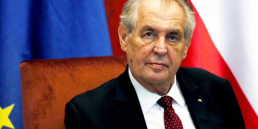 Çekya Cumhurbaşkanı Zeman'ın yetkilerinin kaldırılması kararlaştırıldı