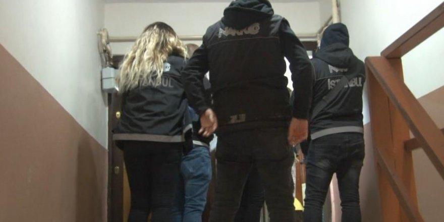Küçükçekmece'de uyuşturucu tacirlerine yönelik eş zamanlı operasyon: 20 gözaltı