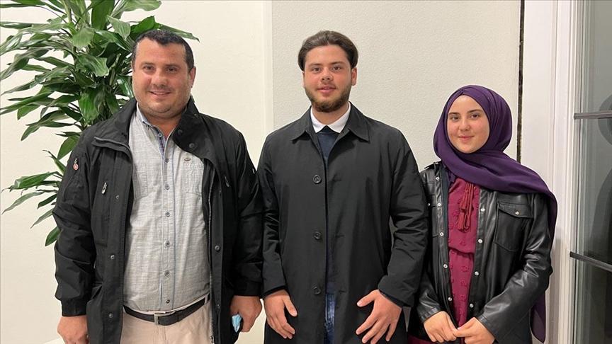 Almanya'da belediye meclisine giren Acar kardeşlerin hedefi milletvekili olmak