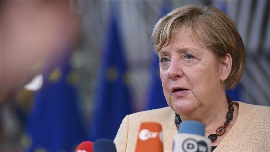 Merkel, Filistin-İsrail meselesinde iki devletli çözümden yana