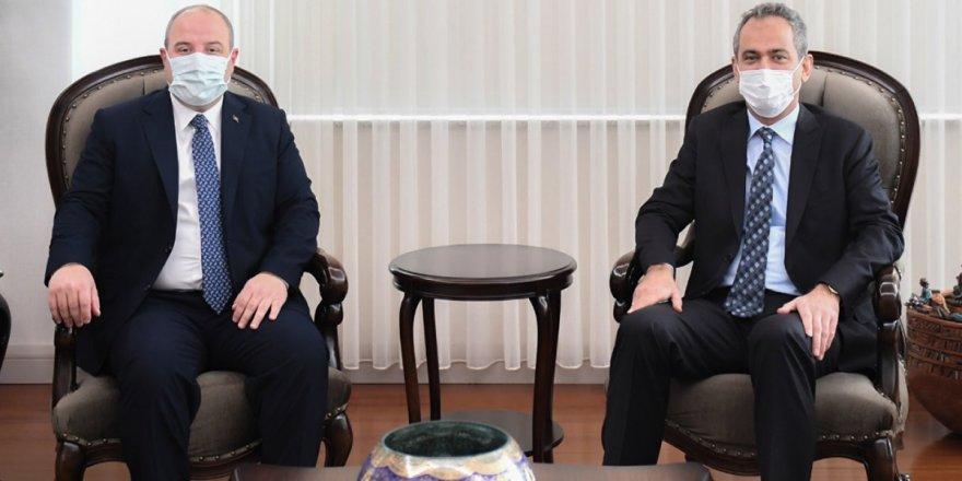 Bakan Özer, Sanayi ve Teknoloji Bakanı Varank ile bir araya geldi