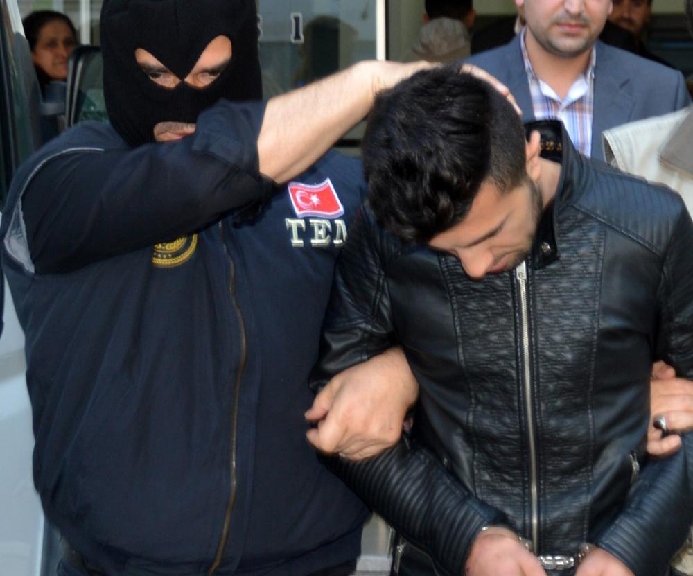 PKK'ya katılmak isterken otobüste yakalandı