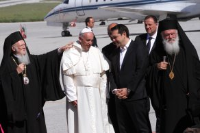 Papa'dan sürpriz karar! Adadan boş dönmeyecek