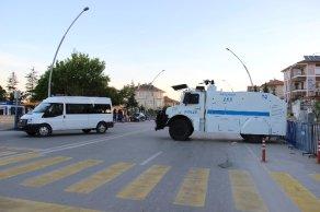 Ensar Vakfı'na Türk bayraklı kamuflaj