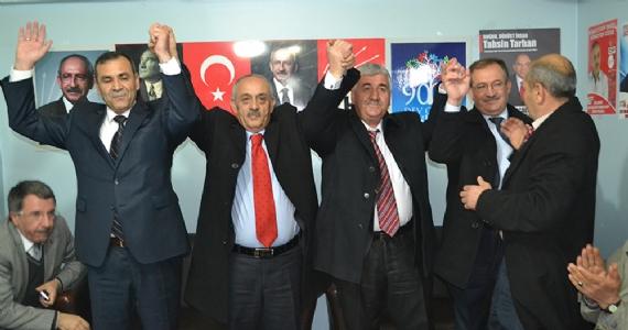 AK Parti kurucuları CHP'ye geçti