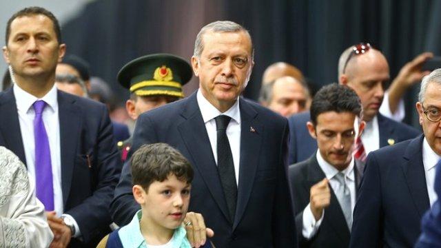 Erdoğan, efsaneyi Ahmet Akif'le uğurladı