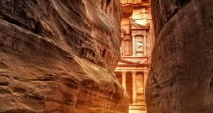 Gizemli kentte ortaya çıkan dev yapı arkeologları heyecanlandırdı