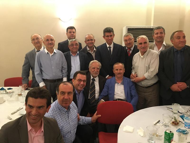 İzmitlilerin büyük iftarı! İzmitliler Prof.Dr. Nevzat Yalçıntaş'ın iftarında!