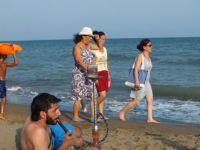 Suriyelilerin nargileli deniz keyfi