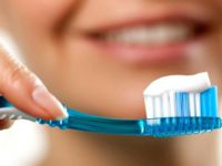 Dişlerimizi doğru fırçalamanın yolları nelerdir ?