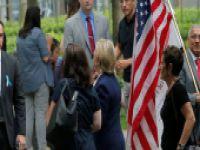 Törende fenalaşan Clinton'ın rahatsızlığı belli oldu