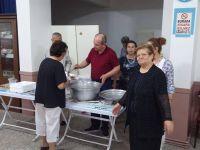 Gelin başkan Kırım'da kalanlar Gebze'de et dağıttı