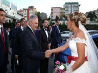 Başbakan'dan, düğün konvoyu sürprizi