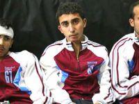 Esad askerlerindeki Trabzonspor eşofmanı şaşkına çevirdi