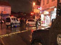 İstanbul'da husumet saldırısı! Otomobilden kahvehaneyi taradılar