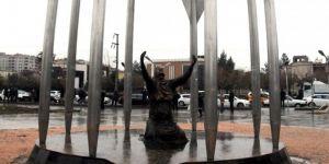 Kayyum Belediyenin Diktiği 'Roboski Anıtı'  Kaldırdı