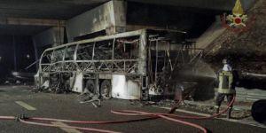 İtalya'da kaza yapan otobüs yandı: 16 çocuk öldü