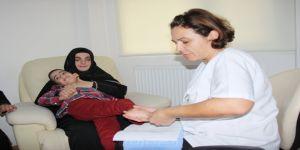 Serebral palsi hastası Emre ilk cümlesiyle ailesini sevince boğdu
