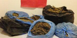 Mardin'de kaçak sigara ve esrar ele geçirildi