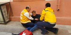 Hasta can çekişiyor, ambulans sokak başında bekliyor