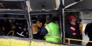 Servis Aracı Metrobüse Çarptı: 10 Yaralı
