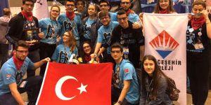Liseli Mucitler ABD'de Düzenlenen Yarışmaya Katılıyor