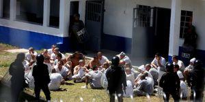 Hapishanede ayaklanma: 3 ölü
