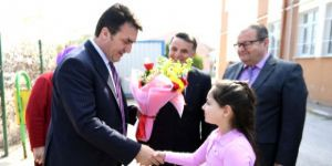 Okulun yeni başkanı vaatlerini tutamadı, çözümü belediye başkanı buldu