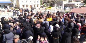 Kızılay açıklayınca Suriyeliler bankaya akın etti