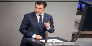 Türk kökenli Alman vekiller referandum yönlendirmesine başladı