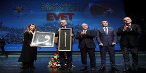 Cumhurbaşkanı Erdoğan güzellik uzmanlarının beklediği imzayı attı