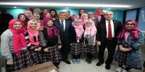 """Karaosmanoğlu, """"TÜGVA geleceğe açılan kapıdır"""""""