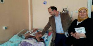 AK Parti İzmit'ten hasta ziyaretleri