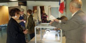 Fransa seçimlerinde dolu zarf skandalı