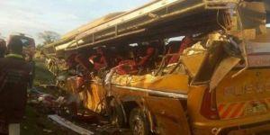 Kenya'da petrol tankeri ile otobüs çarpıştı: 26 ölü