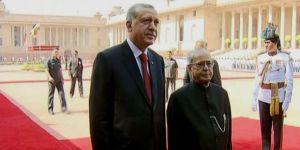Cumhurbaşkanı Erdoğan, Hindistan'da resmi törenle karşılandı