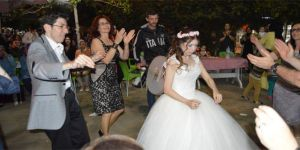 Engelli kıza damatsız düğün