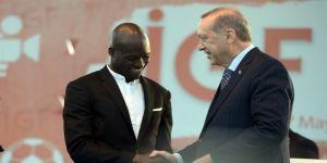 Erdoğan'dan Sow'a: Rize'yle derdin ne?